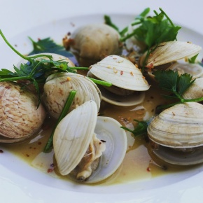 Whitewine Steamed Clams