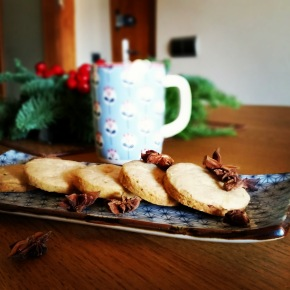 Christmas Almond Cookies