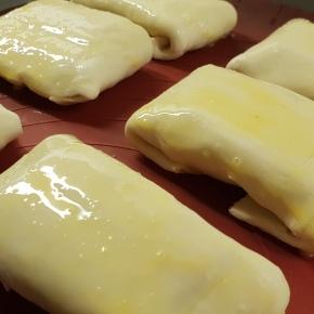 Puffy Ham'n'Cheese Empanadas