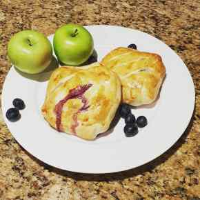Apple Blueberry Mini-Strudel