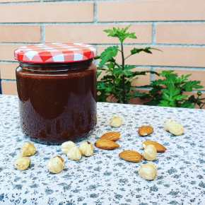 Vegan Chocolate-Hazelnut Spread
